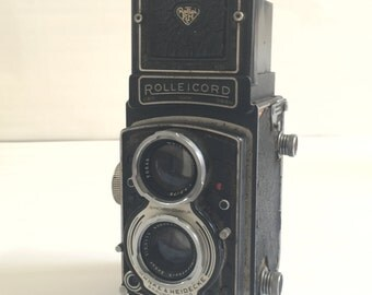 Vintage camera. Rolleicord III twin lens reflex. 1950s.