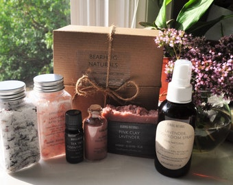 Lavender Spa Gift Box, Bridesmaids Gift, Gift for mom, Spa Gift Set,  Gift for Her, Birthday Gift, Pampering Gift, Lavender Gift Set