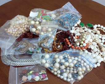 Vintage Beaded Jewelry for Crafts/Repair/Re-purpose.  Lot box BrokenJewelry