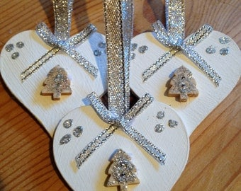Handmade Shabby Chic Wooden Hanging Heart Christmas Decorations x 3 Silver Tree and Ribbons