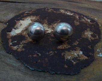 silver stud earrings / sterling earrings / vintage silver earrings / solid silver stud earrings