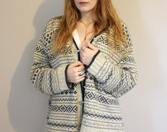 Vintage Cotton Knitted Boho Cardigan in Cream and Navy - Small/Medium