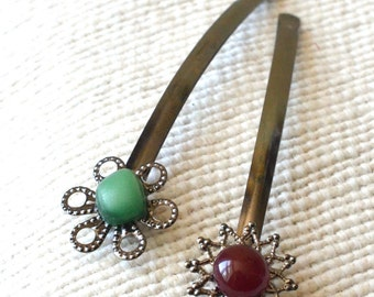 Glass Bobby Pins, Unique Hair Clips,Christmas Gift,Gift For Her,Winter Jewelry,Winter accessories,Red Hair Pin, Green bobby pin.Glass clip.