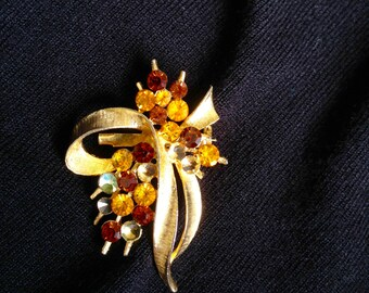 Charming Amber and Gold Rhinestone Brooch