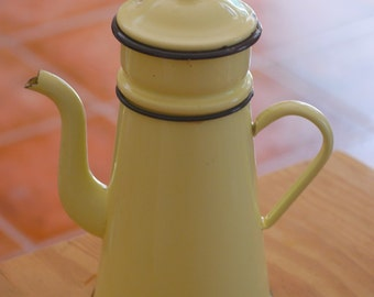 Enamel coffee pot, enamelware, yellow coffee pot, French coffee pot, Vintage coffee pot, vintage enamelware, French enamelware, coffee pot