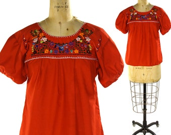 Embroidered Mexican Peasant Blouse / Vintage 1970s Boho Mexican Gypsy Top with Embroidery / Hippie Bohemian Folk Cotton Blouse