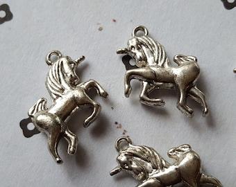 Silver Plated unicorn Charm (5)