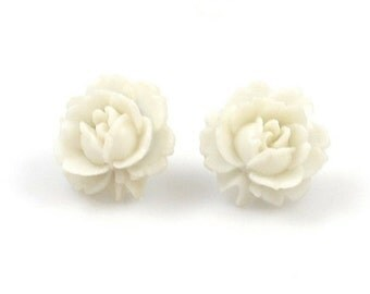 Vintage White Flower Post Earrings, Vintage Earrings, Lucite Earrings