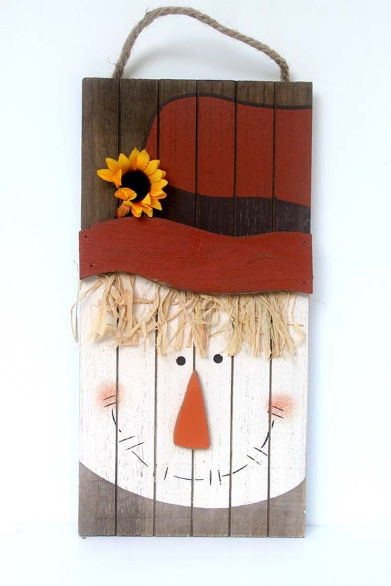 Primitive scarecrow wooden scarecrow barn wood decoration for Scarecrow home decorations co ltd