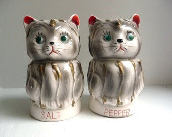 Vintage 50s Cat Salt and Pepper Shakers - Hand Painted Gray and White Stripes - 1950s Made in Japan by Tilso - Cute Kitchen Kittens Kitsch