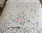 Vintage Chenille Bedspread in Excellent Condition Pastel Floral Design Full Size