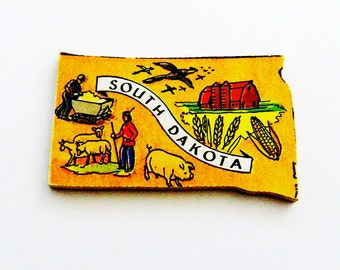 1960s South Dakota Brooch - Pin / Unique Wearable History Gift Idea / Upcycled Vintage Hand Cut Wood Jewelry / Timeless Gift Under 25