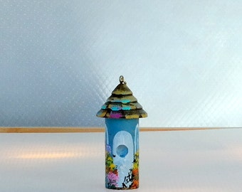 Lighty Blue and White Bird House Fan / Light Pull