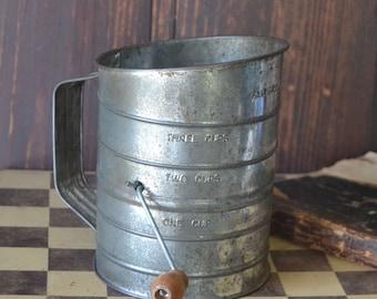 Vintage Fairgrove Primitive Flour Sifter Wooden Handle 3 Cups
