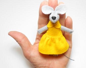 Matchbox wool  felt stuffed mouse miniature yellow tiny animal art dolls birthday gift daisy
