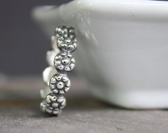 Daisy Chain Sterling Silver Ring - Stacking Ring - Sterling Silver Ring