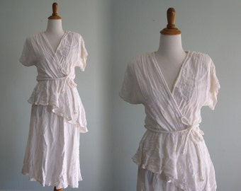 Vintage Romantic White Peplum Dress - Pretty 80s White Sundress - Vintage 1980s Dress M L