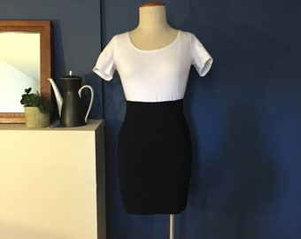 90s Black Highwaist All Weather Wool Mini Skirt W25