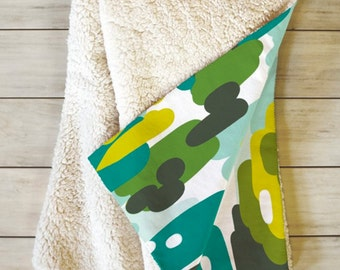 Camouflage Fleece Throw Blanket // Sherpa Blanket // Home Decor // Bedroom // Dorm Decor // Modern Decor // Cozy Throw Blanket // Snuggle Up