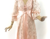 Vintage Olga Gold Designer Collection Peignoir Pale Peach Pink Sheer Lace Robe & Long Nightgown size M Bust 38