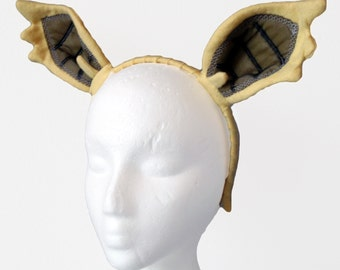 Yellow Vampire Bat Pony Ears. Fan Fiction.