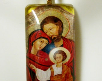 Holy family pendant with chain - GP12-242