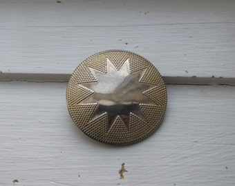 Vintage Gold Tone Scarf Ring - Star Shape in the Middle with Dots, Textured Frame - Scarf Clip/Costume Jewelry