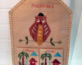 Kitschy Cute Vintage Owl Mail Holder -- Straw and Raffia -- Mid Century