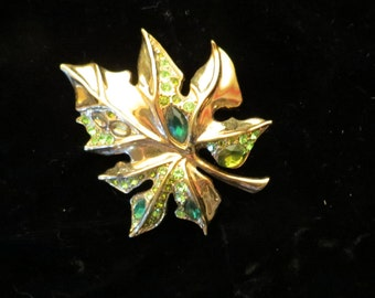 Beautiful Vintage Gold tone Leaf Pin Brooch with Green Rhinestones, Estate Jewelry Pin, Mothers Day Gift, Leaf Pin,  Free Shipping