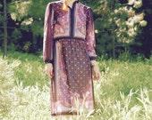 Size Medium... Vintage 1970s Floral Dress... Semi Sheer Boho Print