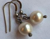 URBINA DESIGNS White Pearl Drop Earring Sterling Silver