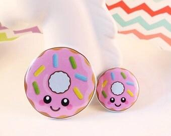 Pink Donut Badge 25mm 38mm, fun food badge, donut pin badge, cute doughnut badge, kawaii button badge, happy donut illustration
