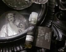 The Reading of Leaves Natural Perfume Oil Sample Vial Green Tea,Orris,Tonka,Orange,Lime,Bergamot,Amyris, Black Pepper