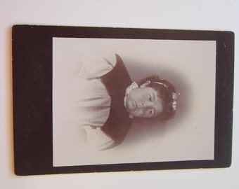 antique cabinet card photo - late 1800s - woman