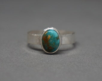turquoise and silver ring - natural turquoise cabochon from number 8 mine - USA - size 7