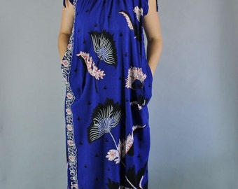Vintage 80s Women's Royal Blue Batik Island Hawaiian Rayon Beach Coverup Sleeveless Summer Tiki Party Dress