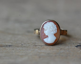Vintage mid-century 14K cameo ring