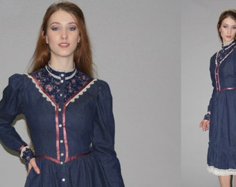Gunne Sax Vintage 1970s Dress - 70s Gunne Sax Floral Dress - 1970s Prairie Denim Dress -  Gunne Sax Floral Jean Dress  - WD0574