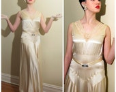 Vintage 1930s Wedding Dress Ivory Silk and Lace / 30s Sleeveless Evening Gown in Bias Cut Silk Charmeuse / Medium