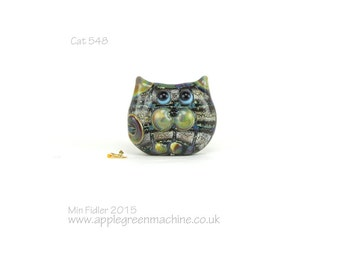 Tweedy glass cat bead 548