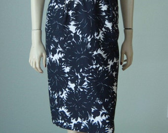 1950s-60s Cotton Hourglass Pencil Dressy Dress // Black and White Floral // Form Fitting Strappy and Versatile // Miami Weekend // Details