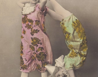 Les Clowns, Hand-Tinted French Postcard by S.I.P. circa 1900