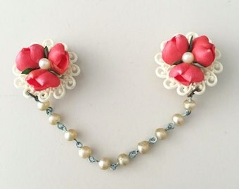 Vintage Collar Clips / Red Roses on Lace / Pearl Chain / Sweater Clips / Flower Jewelry / Accessories
