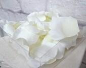 50 pc. Cream silk rose petals Wedding decoration Party favor