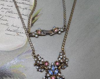 HOLLYCRAFT Blue & Pink Pastel Pendant Necklace