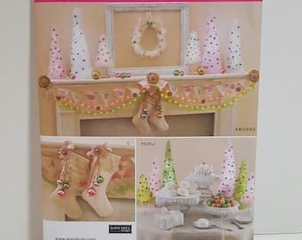 Pattern, Christmas Decorations Pattern - - Simplicity pattern #1555os