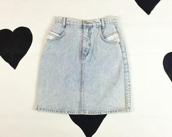 80's 90's high waist light wash patchwork denim pencil skirt 1980's blue white stone acid wash pin up jean skirt / barbie / 90210 / surfer S