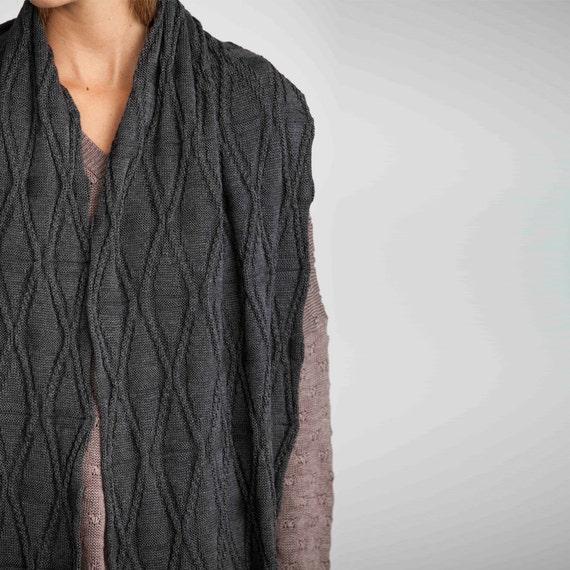 Grey shawl scarf, Chunky knit scarf, Infinity scarf, knitted scarf, gray knitted scarf, diamond grey scarf, long scarf, unisex scarf