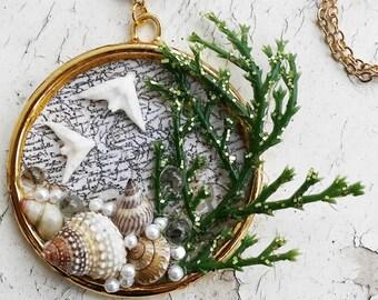 Ocean Paradise Pendant Sand Dollar Birds PLants Shells Map Gold Tone Jewelry Necklace