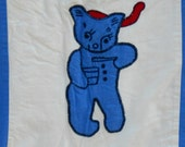 VINTAGE CRIB QUILT With appliqued Bears in Red White Blue.  Cartoons 1930 to 1940.  Quilt construction 1950s